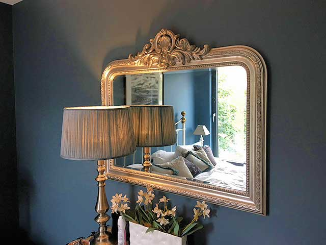 mirror mounting home service