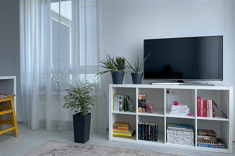 Things to consider before mounting your flatscreen TV onto a wall